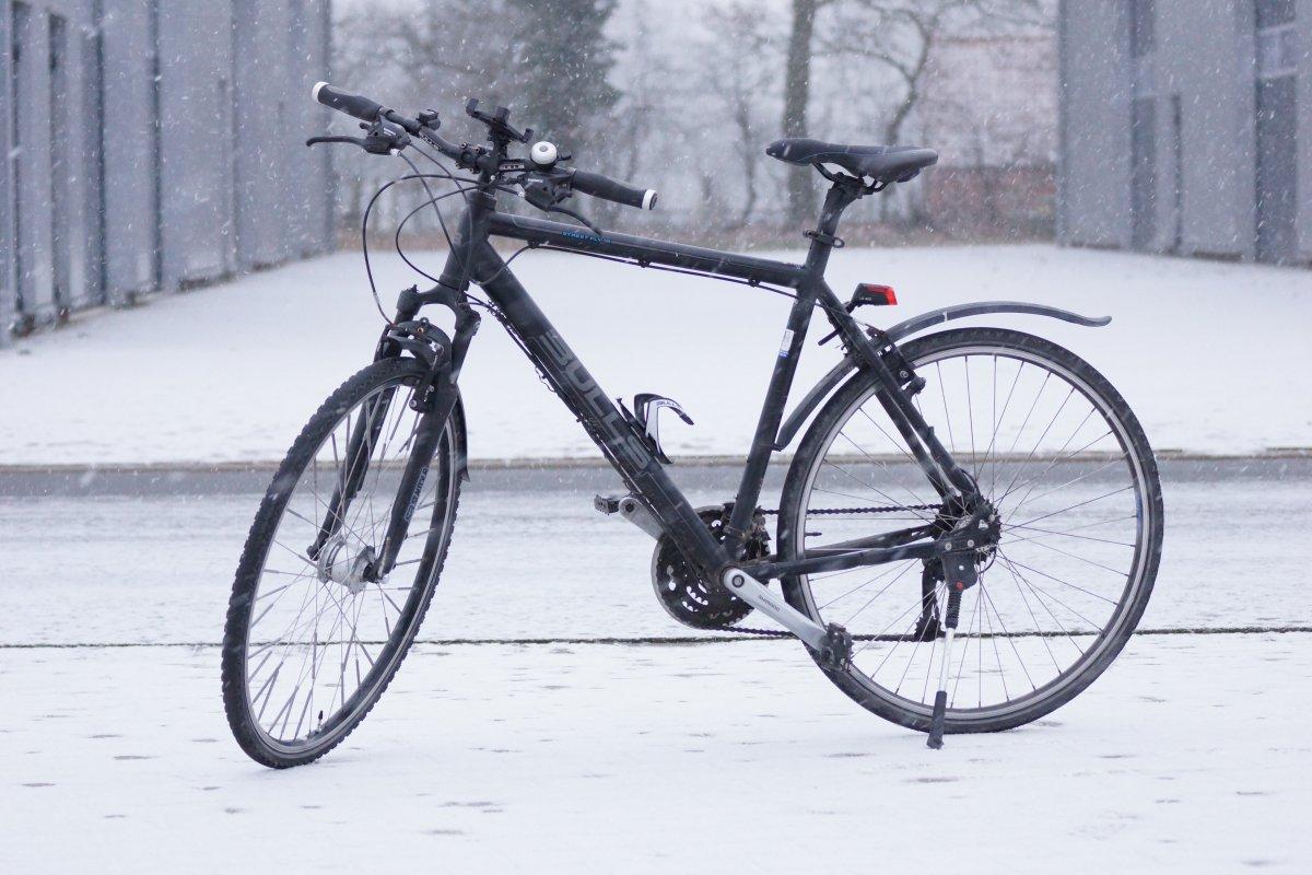 fahrradfahren im winter so machen sie ihr fahrrad winterfest. Black Bedroom Furniture Sets. Home Design Ideas
