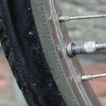 Fahrradfelge und Fahrradreifen mit Ventil