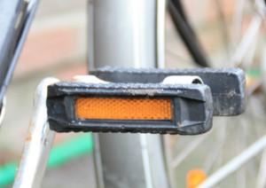 Reflektor an einer Fahrradpedale