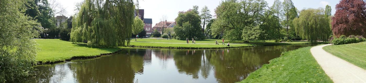 Panoramaaufnahme vom Schlosspark Celle