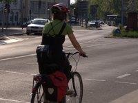 Fahrradfahrerin beim Fahrradurlaub