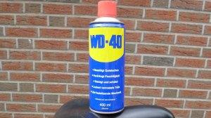 Dose WD 40 Öl