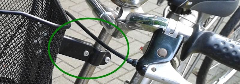 Fahrradkorbbefestigung an der Lenkerstange