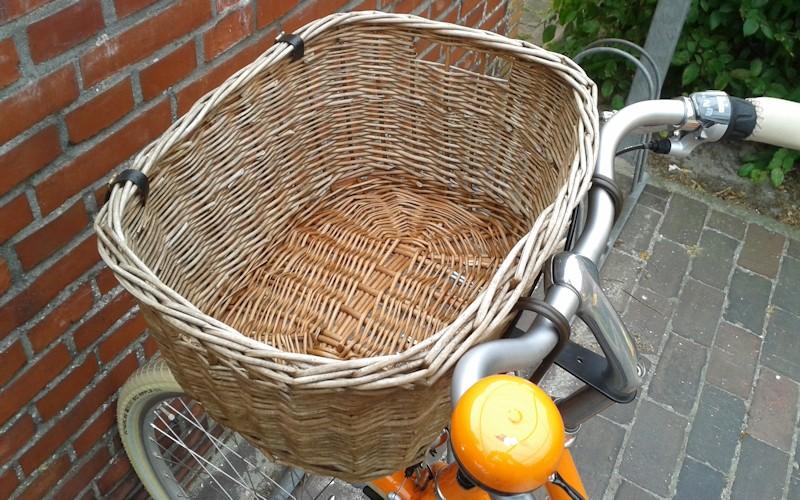 Hundefahrradkorb aus Weide