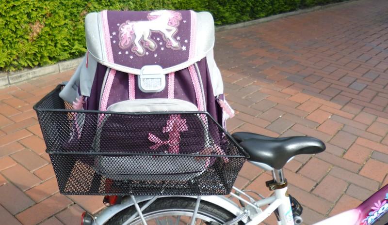 Fahrradkorb - Schultaschenkorb an einem Kinderfahrrad