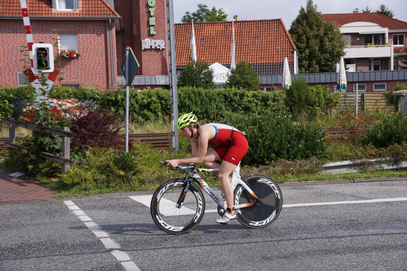 Rennradfhrer beim Bärentriathlon