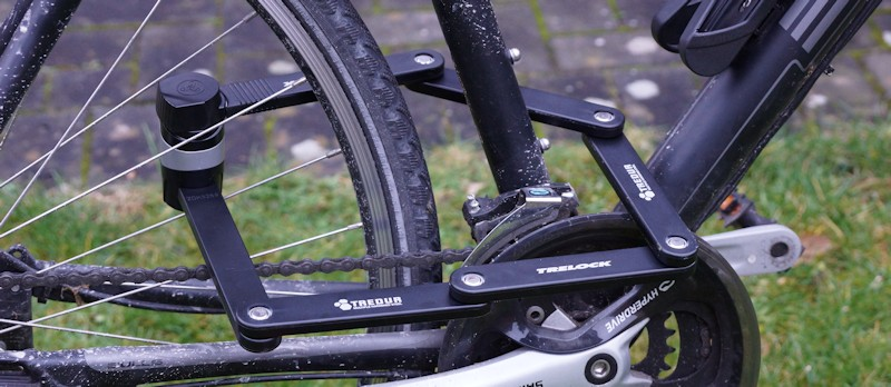 Bicycle is finished with the Trelock folding lock FS 455