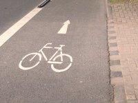 Fahrradweg auf Straße
