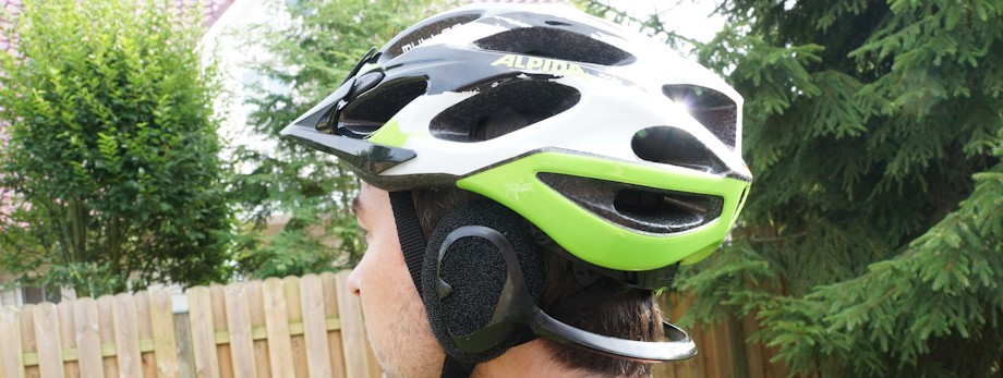 Wind Free with bicycle helmet