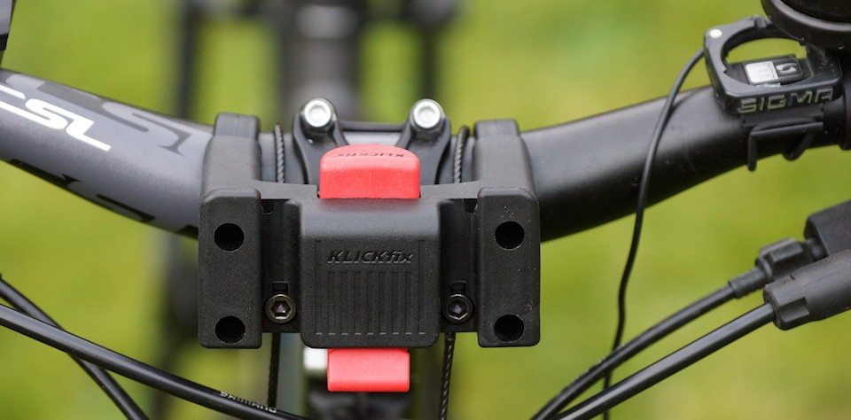 Klickfix mounting the bicycle handlebar
