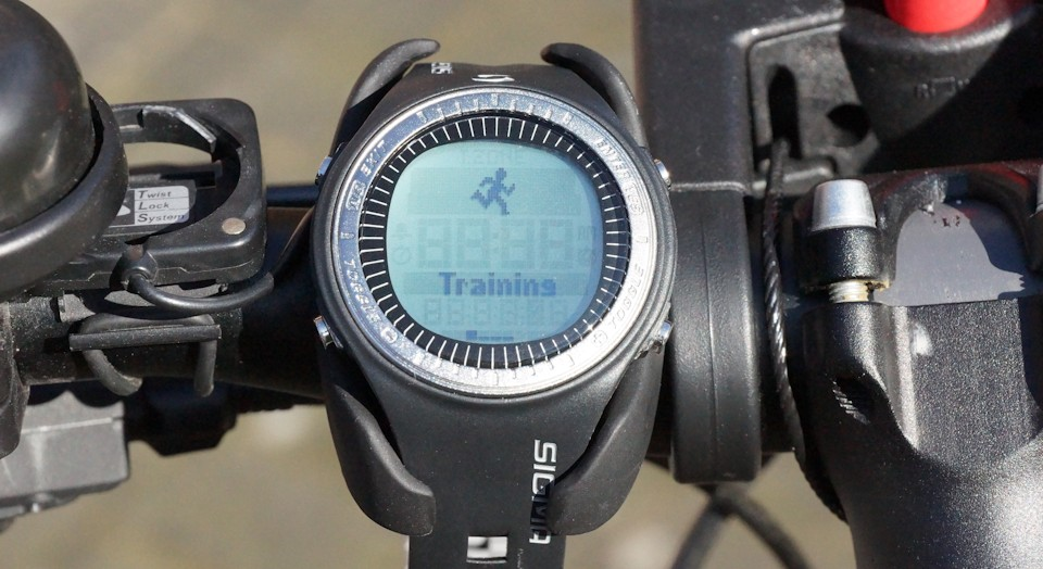 Bicycle handlebar mount heart rate monitor