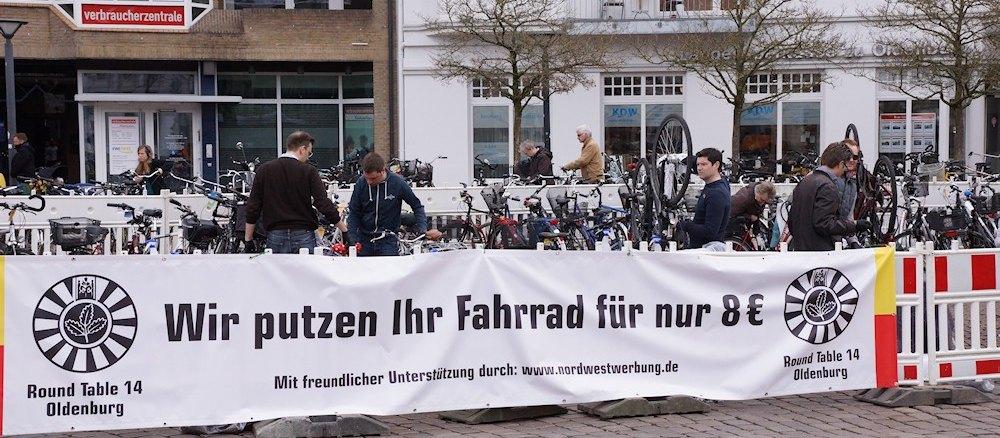 Round Table Oldenburg (RT14) putzt Fahrräder für den guten Zweck