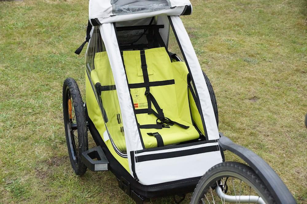 XLC Mono Test hinter einem Fahrrad - Verdeck geöffnet