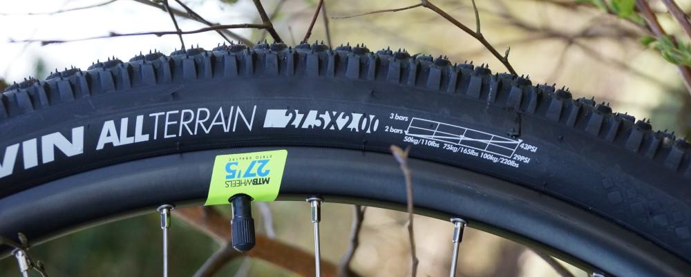 Reifendrucktabelle auf Reifenmantel