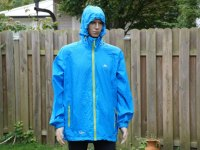 Fahrrad Regenjacken Test - Blaue Jacke