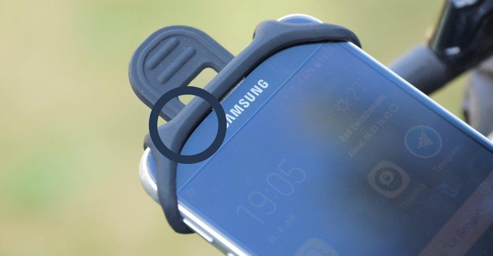 Helligkeitssensor Verdeckt am Telefon