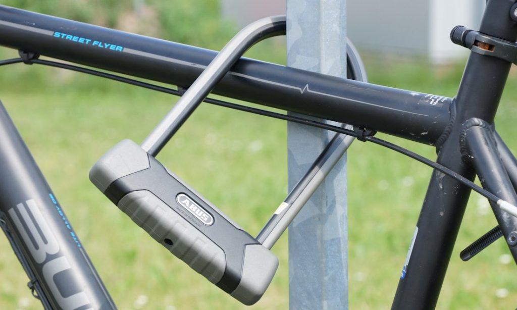 fahrrad angeschlossen abus granit x plus 540 Bügelschloss