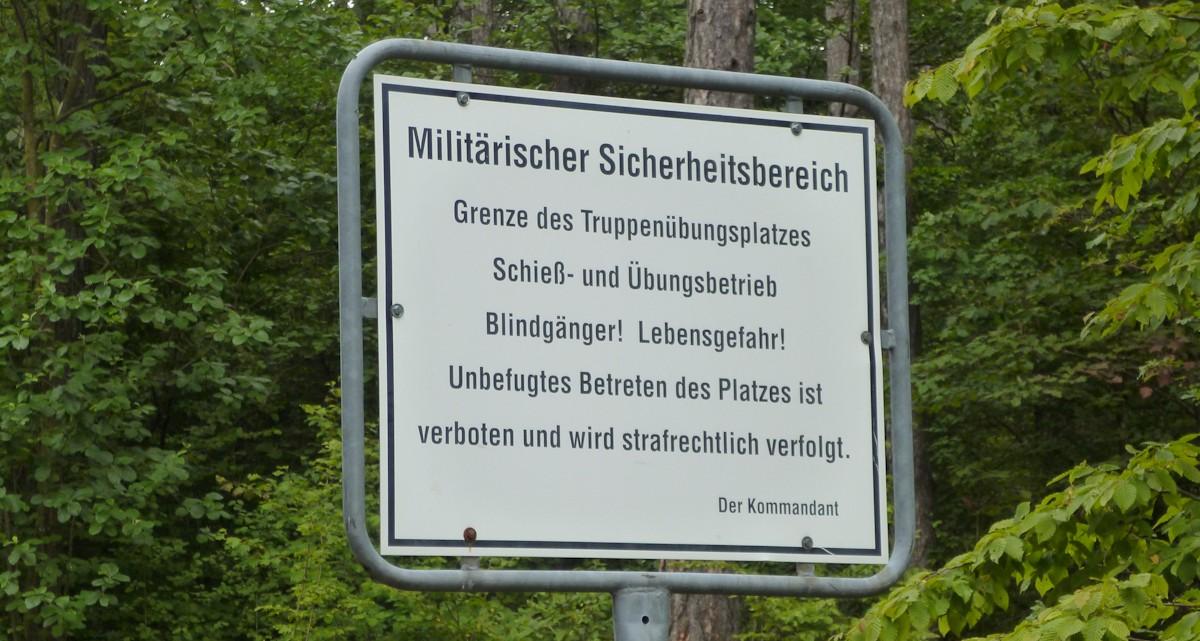 Gesperrter Radweg militärischer Sicherheitsbereich