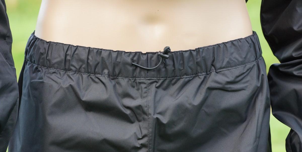 Hosenbund mit Gummizug an Fahrrad Regenhose