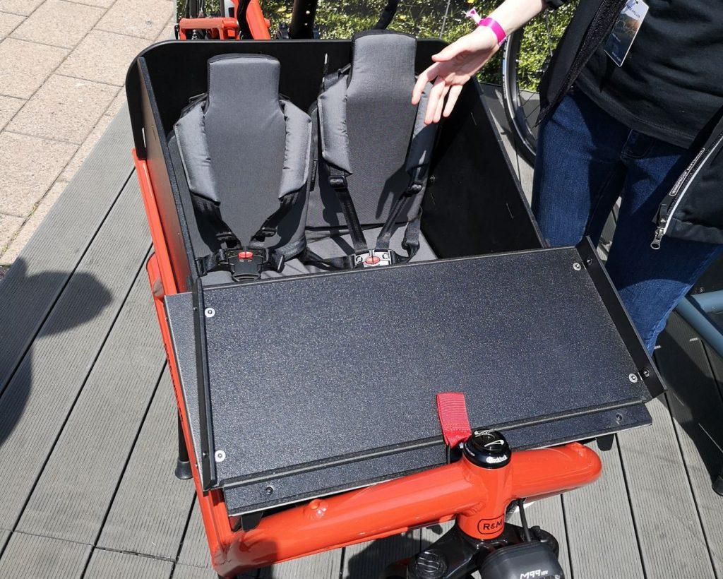 Riese und Müller Lastenrad Kindersitze