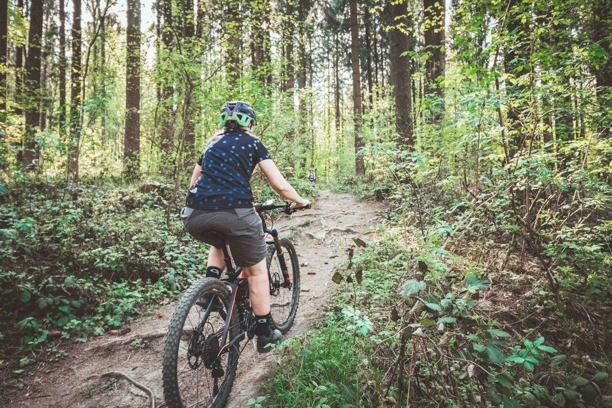 Vollgefedertes Mountainbike - Fully im Trail Einsatz